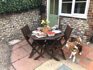 beagles table copy 300x225